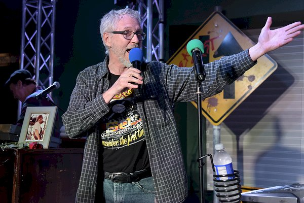Stan Gill introducing Head East - Photo by Ed Spinelli